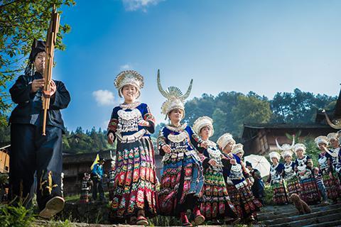 贵州旅游私人订制3日游,黄果树瀑布+荔波小七孔+西江千户苗寨 3 日游